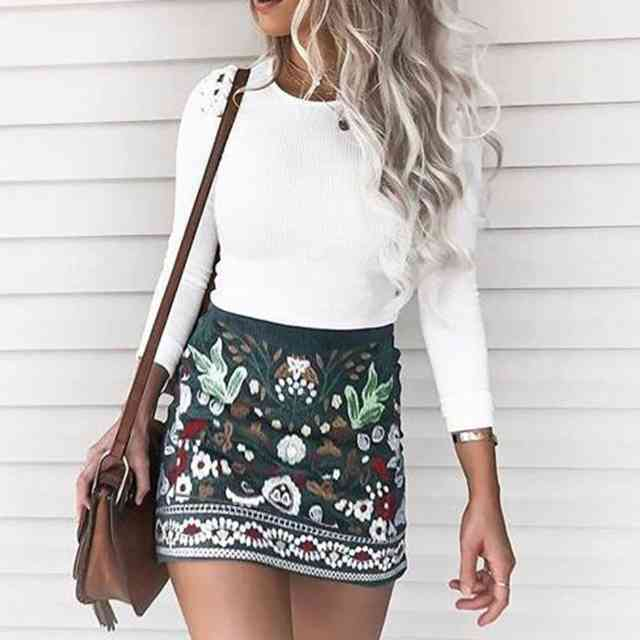 Mini skirt with pattern